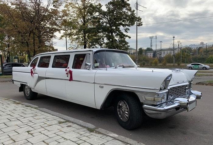 ретро машина Чайка Газ-13 на свадьбу