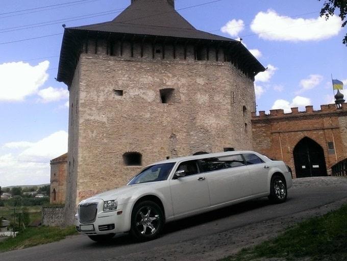 лимузин крайслер 300С на свадьбу киев