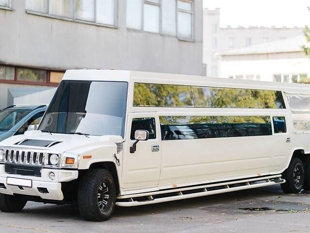 лимузин мега хаммер h2 аренда на свадьбу