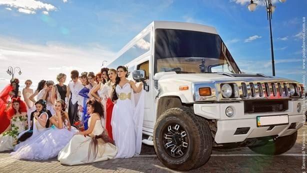 лимузин мега хаммер на свадьбу киев