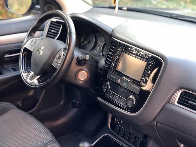 митсубиси аутлендер фото салона авто