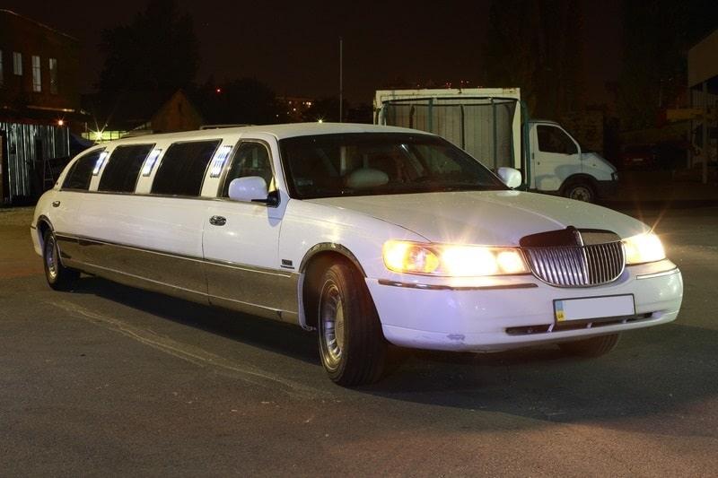 белый лимузин линкольн фото