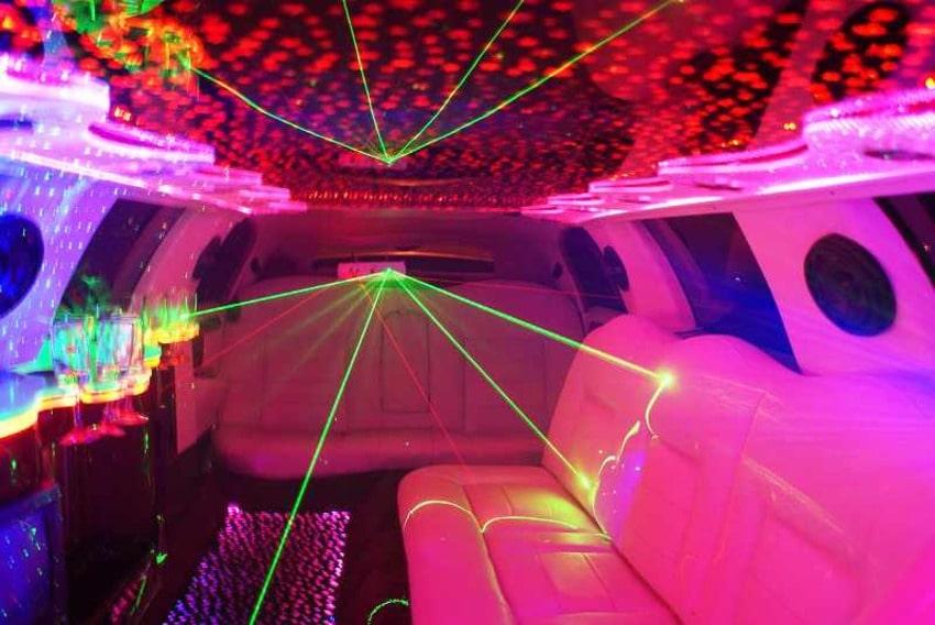 лимузин линкольн на свадьбу, выпускной, день рождения фото салона
